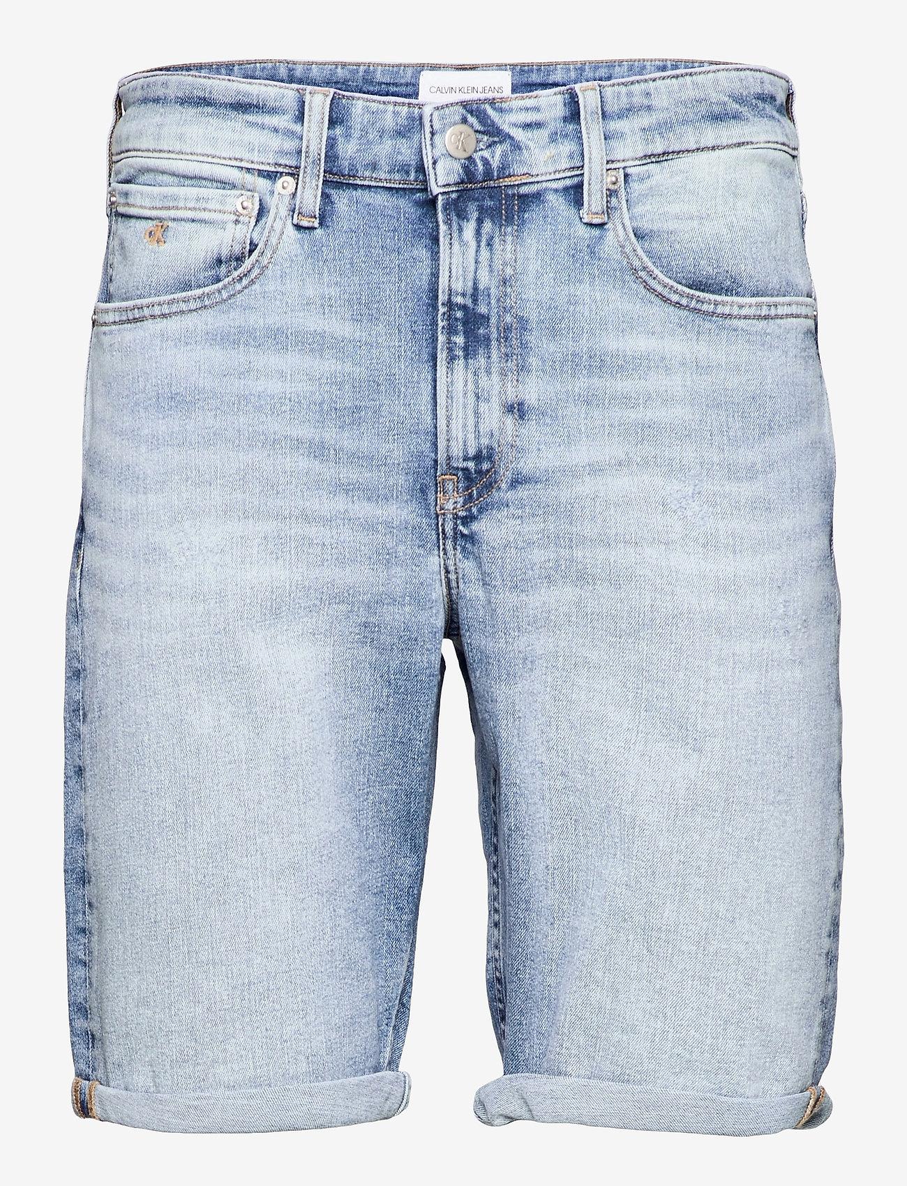 Calvin Klein Jeans - REGULAR SHORT - denim shorts - denim light - 0