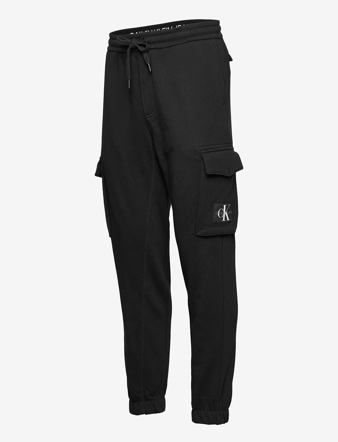 Calvin Klein Jeans - CARGO BADGE FLEECE PANT - cargobroek - ck black - 2