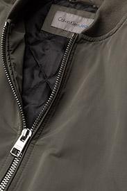 Calvin Klein Jeans - OLVA LW PADDED LOGO BOMBER - bomber jakker - dusty olive - 3