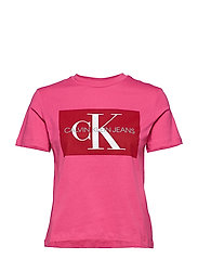 ICONIC MONOGRAM BOX STRAIGHT TEE - CABARET/ RACING RED