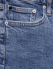 Calvin Klein Jeans - MID RISE WEEKEND SHO - denim shorts - iconic mid stone raw embroider - 2