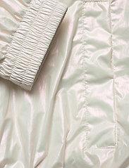 Calvin Klein Jeans - IRIDESCENT WINDBREAK - lichte jassen - iridescent white - 6