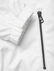 Calvin Klein Jeans - LARGE CK LOGO HOODED - kevyet takit - bright white - 4