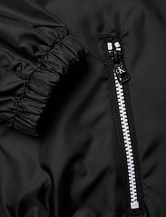 Calvin Klein Jeans - LARGE CK LOGO HOODED - kevyet takit - ck black - 4