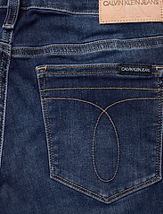 Calvin Klein Jeans - CKJ 011 MID RISE SKINNY - skinny jeans - zz001 mid blue - 4