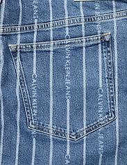 Calvin Klein Jeans - PLUS HIGH RISE MINI SKIRT - jeanskjolar - da149 light blue stripe - 4