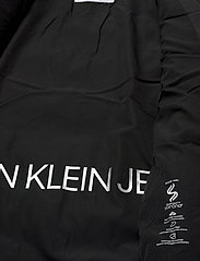 Calvin Klein Jeans - SLANTERED QUILTED FITTED JACKET - fôrede jakker - ck black - 6