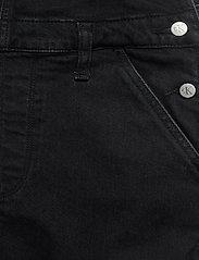 Calvin Klein Jeans - OVERALL DRESS - denimkjoler - ab117 washed black - 3