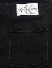 Calvin Klein Jeans - OVERALL DRESS - denimkjoler - ab117 washed black - 4