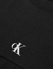 Calvin Klein Jeans - PUFF PRINT BACK LOGO T-SHIRT - crop tops - ck black - 2