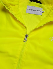 Calvin Klein Jeans - BACK LOGO WINDBREAKER - lichte jassen - safety yellow - 4