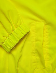 Calvin Klein Jeans - BACK LOGO WINDBREAKER - lichte jassen - safety yellow - 5