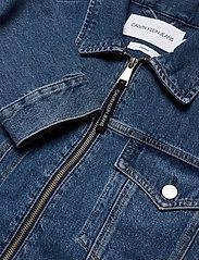 Calvin Klein Jeans - CROPPED FOUNDATION DENIM JACKET - jeansjakker - bb187 - icn mid blue zip - 2