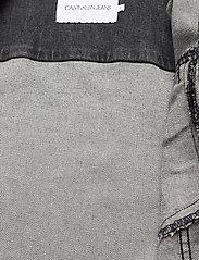 Calvin Klein Jeans - CROPPED DENIM JACKET - jeansjakker - denim grey - 4