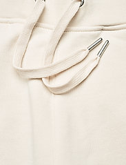 Calvin Klein Jeans - LOGO TRIM JOGGING PANT - klær - white sand - 5