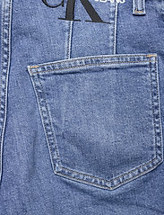 Calvin Klein Jeans - MOM JEAN - mammajeans - denim medium - 4