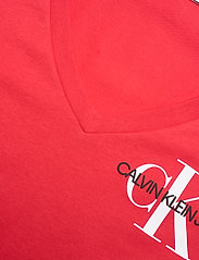 Calvin Klein Jeans - SS V NECK MONOGRAM TEE - t-shirts - racing red - 2