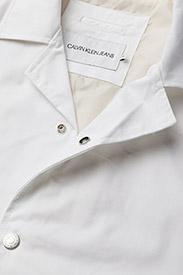 Calvin Klein Jeans - INSTITUTIONAL LOGO COACH JACKET - kevyet takit - bright white - 2