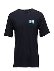 MONOGRAM CHEST BADGE LOGO COTTON TEE - NIGHT SKY