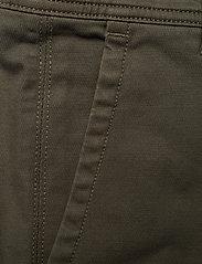 Calvin Klein Jeans - 056 GINOK UTILITY PANT - bojówki - grape leaf - 3