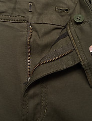 Calvin Klein Jeans - 056 GINOK UTILITY PANT - bojówki - grape leaf - 4