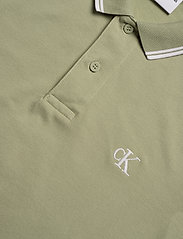 Calvin Klein Jeans - CK ESSENTIAL TIPPING SLIM POLO - korte mouwen - earth sage/white - 2