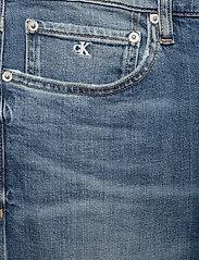 Calvin Klein Jeans - CKJ 026 SLIM - slim jeans - da020 bright blue embroidery - 2