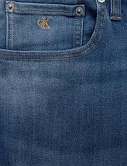 Calvin Klein Jeans - REGULAR SHORT - farkkushortsit - da033 bright mid - 3