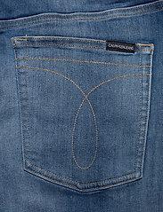 Calvin Klein Jeans - REGULAR SHORT - farkkushortsit - da033 bright mid - 5