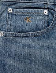 Calvin Klein Jeans - REGULAR SHORT - farkkushortsit - da037 light blue - 2