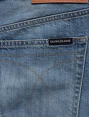 Calvin Klein Jeans - REGULAR SHORT - farkkushortsit - da037 light blue - 4