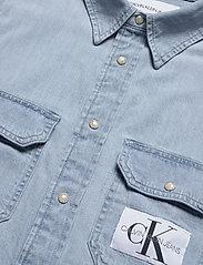 Calvin Klein Jeans - MODERN UTILITY SHIRT - denim overhemden - da040 bleached blue with embro - 2