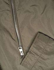 Calvin Klein Jeans - NYLON RACER WITH DETAILS - light jackets - new basil - 4