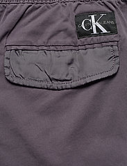 Calvin Klein Jeans - SIMPLE WASHED CARGO SHORT - cargo shorts - abstract grey - 4