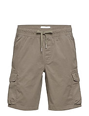 SIMPLE WASHED CARGO SHORT - NEW BASIL
