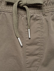 Calvin Klein Jeans - SIMPLE WASHED CARGO SHORT - cargo shorts - new basil - 3