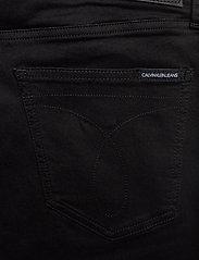 Calvin Klein Jeans - SUPER SKINNY - skinny jeans - denim black - 4
