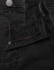 Calvin Klein Jeans - WASHED FESTIVAL SHORT - chino's shorts - ck black - 3