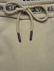 Calvin Klein Jeans - LOGO JACQUARD HWK PANT - vêtements - elephant skin - 3