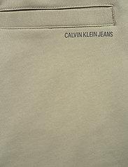 Calvin Klein Jeans - LOGO JACQUARD HWK PANT - vêtements - elephant skin - 4