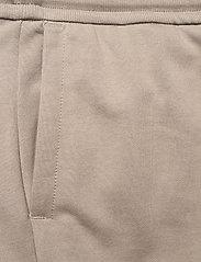 Calvin Klein Jeans - CARGO BADGE FLEECE PANT - pantalon cargo - elephant skin - 3