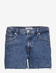 Calvin Klein Jeans - MID RISE WEEKEND SHO - denim shorts - iconic mid stone raw embroider - 0
