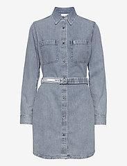 Calvin Klein Jeans - RELAXED SHIRT DRESS BELT - skjortekjoler - ab078 icn light blue belt - 2
