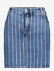 Calvin Klein Jeans - PLUS HIGH RISE MINI SKIRT - jeanskjolar - da149 light blue stripe - 0