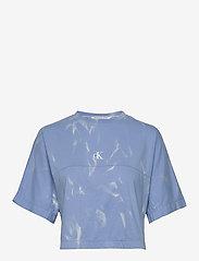 Calvin Klein Jeans - LAVA DYE CROPPED TEE - crop tops - powdery blue - 0