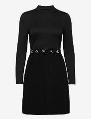Calvin Klein Jeans - LOGO ELASTIC DRESS - hverdagskjoler - ck black - 0