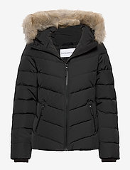 Calvin Klein Jeans - SHORT DOWN FITTED PUFFER - down- & padded jackets - ck black - 0