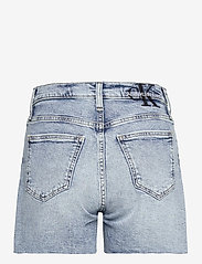 Calvin Klein Jeans - MOM SHORT - denimshorts - denim light - 1