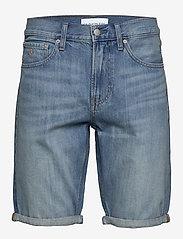 Calvin Klein Jeans - REGULAR SHORT - farkkushortsit - da037 light blue - 0