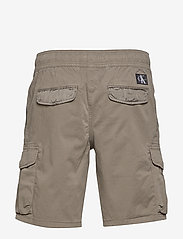 Calvin Klein Jeans - SIMPLE WASHED CARGO SHORT - cargo shorts - new basil - 1